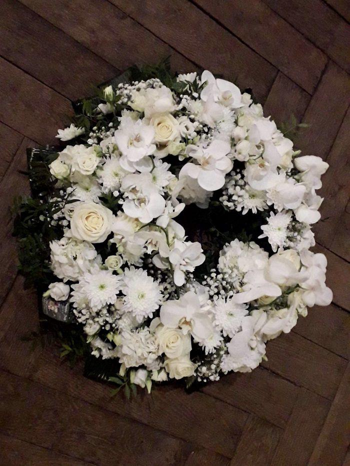 couronne blanche deuil fleuriste Saint Cloud le Chapelin Fretz