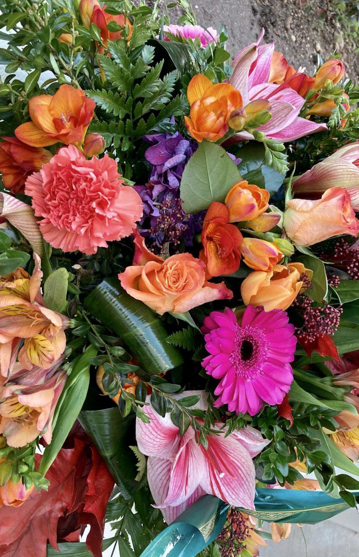 gerbe couleurs deuil fleuriste Saint Cloud le Chapelin Fretz